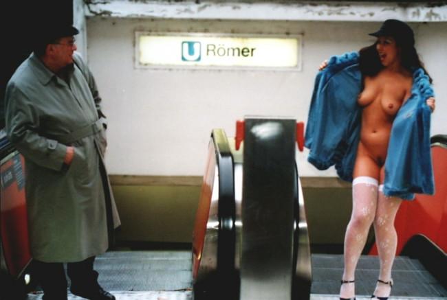 exhibitionistische vrouw