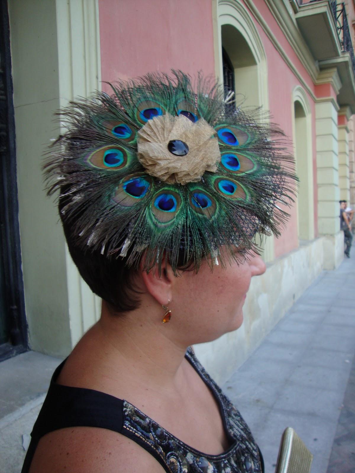 anai tocado ala modelo ave de plumas de pavo real On tocados con plumas de pavo real
