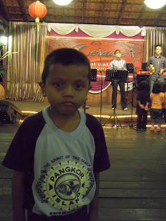 aku nak nyanyi, tapi belum cukup umur!