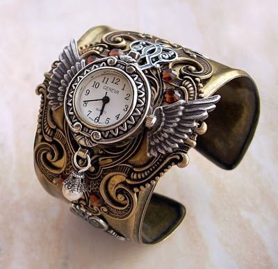 steam-punk-watch-gold-jewlery