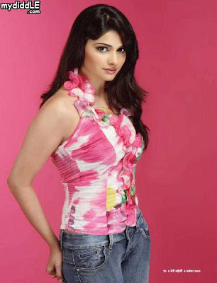 Prachi Desai's New Pictures