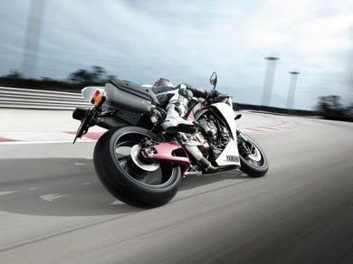 Yamaha launches 2010 YZF-R1