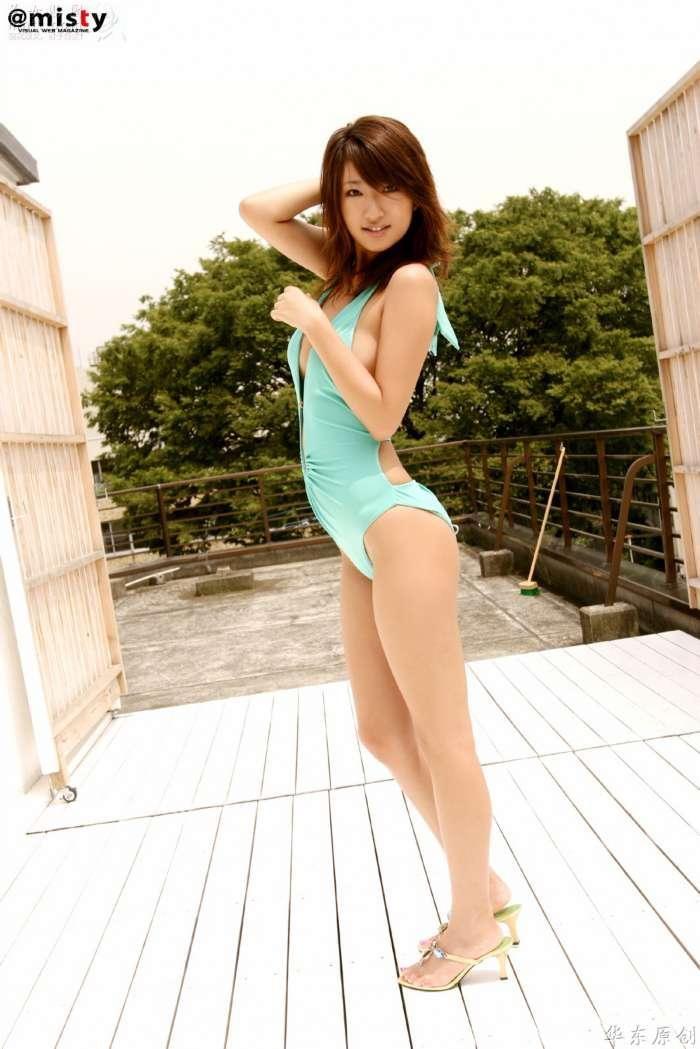 Park Shin Hye Bikini