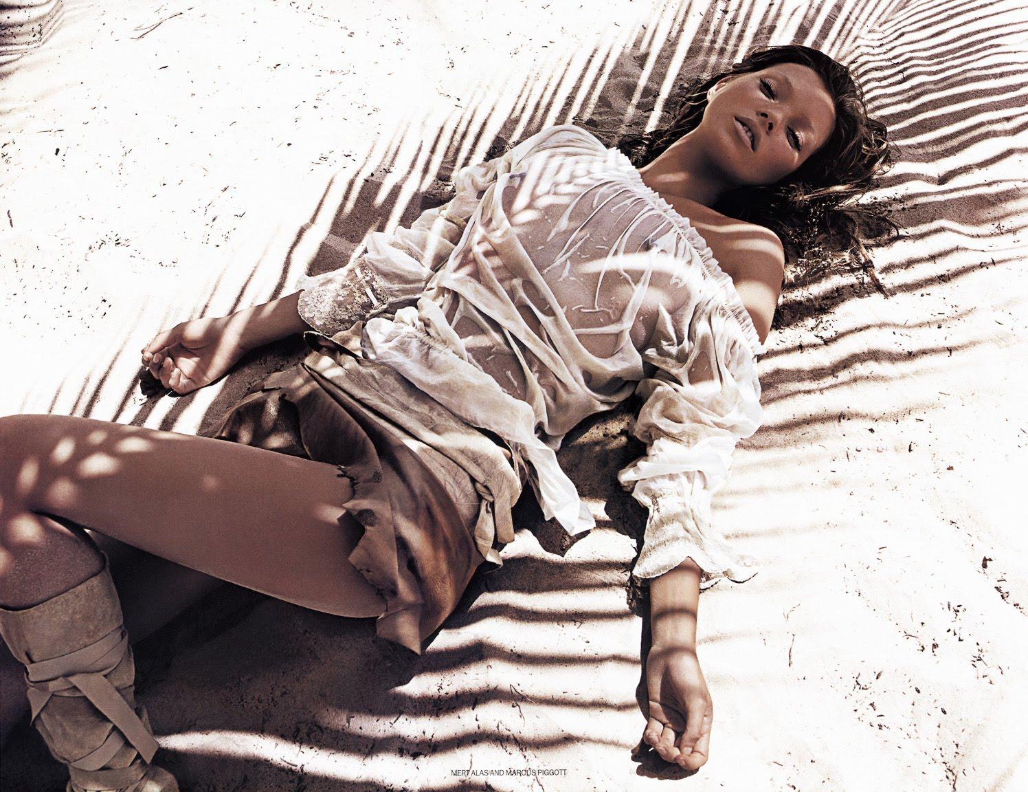 http://1.bp.blogspot.com/_BUSA57Lwhhs/TCpfbbPvDDI/AAAAAAAAAyY/tovr02lDD6k/s1600/vouk20020606_Kate_Moss.jpgmarcusmert.jpg