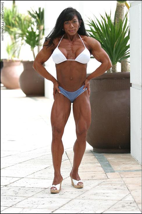 Julia Korfhage Female Muscle Bodybuilder FTVideo
