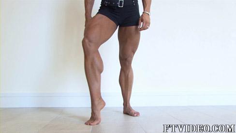 Lisa Bruton Female Muscle Bodybuilder Legs