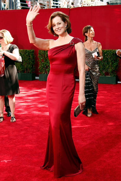 Stylish apples at 2009 emmy s sigourney weaver