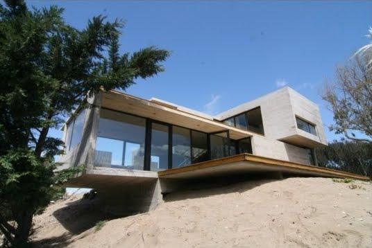 Hablemos un poco de todo casas de hormig n en el bosque - Casa de playa ...