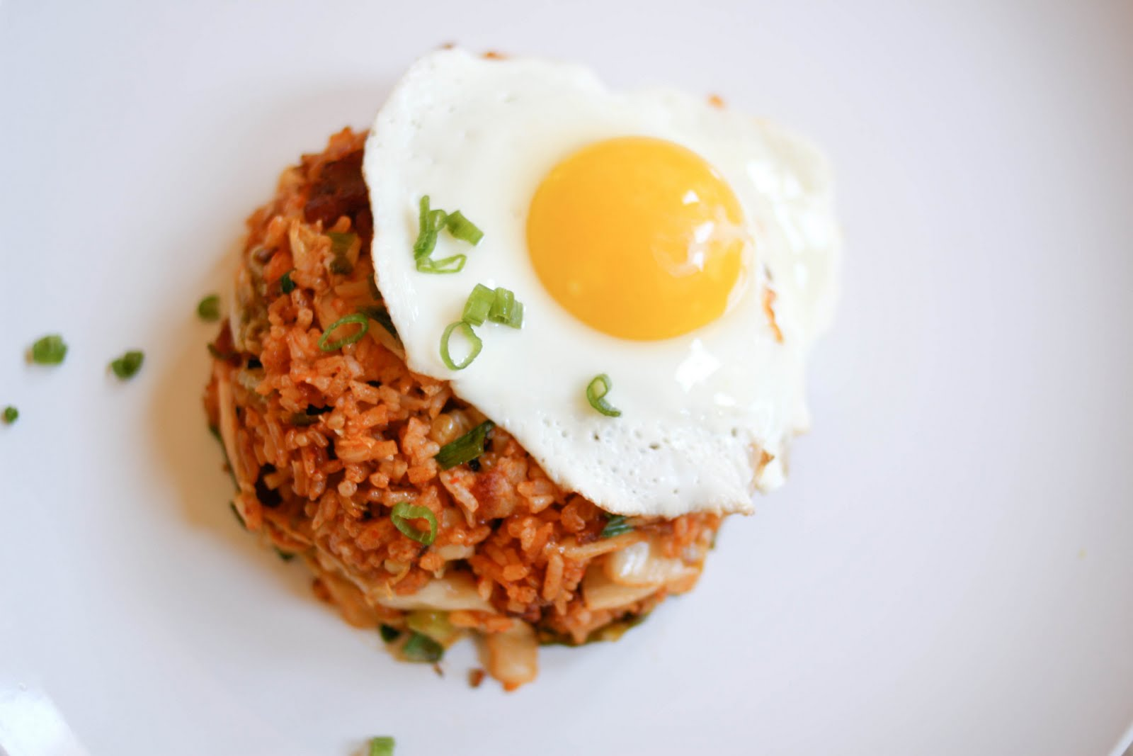 Kimchi + Crispy Rice + Bacon + Perfectly Fried Egg = NOM.