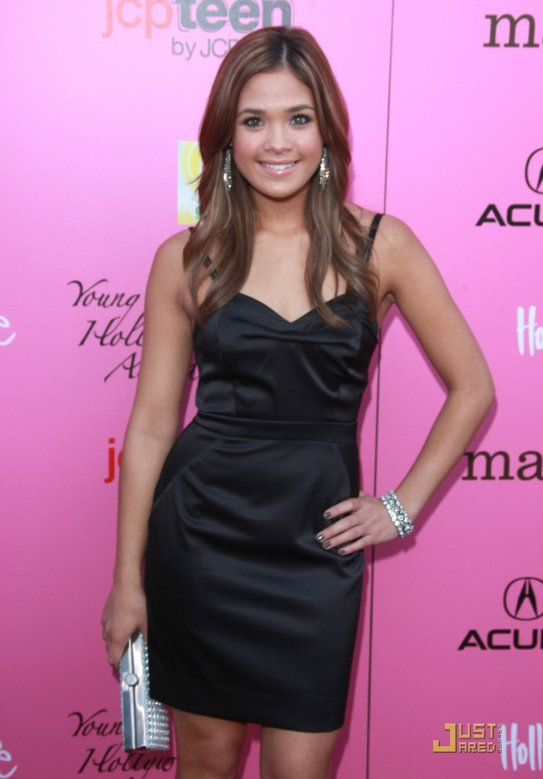 Download this Posted Chelsea Staub Nicole Anderson picture
