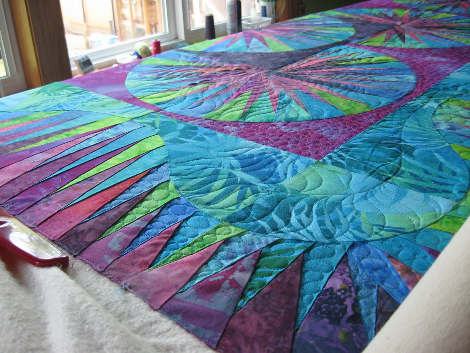 Artistic quilting new york beauty quilt for Bed quilting designs