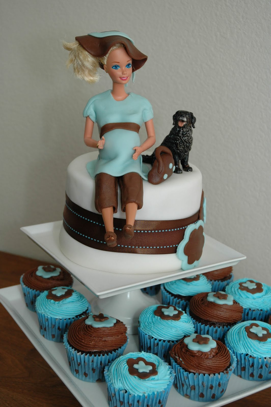 The Cutest Baby Shower Cake Ever: Fondant + Barbie + Beaker