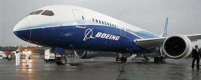 ICHEOKU, BOEING DEBUTS ITS 787 DREAMLINER.