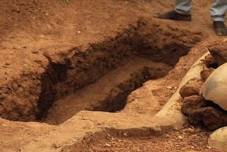 PRESIDENT UMARU YAR'ADUA'S GRAVE, WHAT IS LIFE REALLY WORTH?