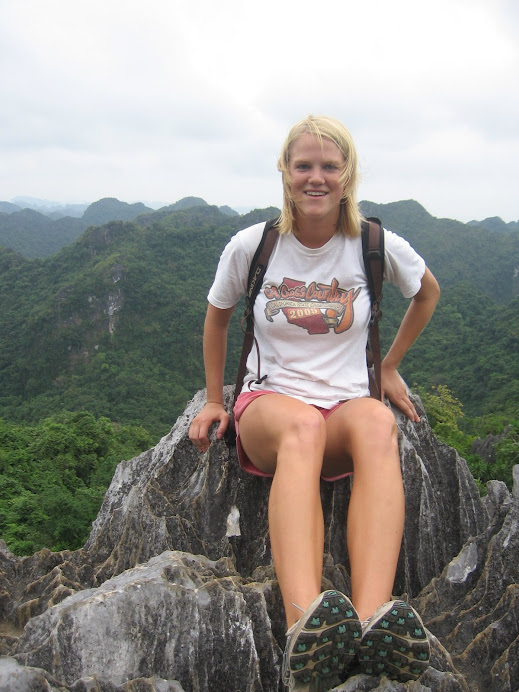 Trekking in Halong Bay
