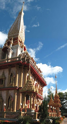 Chalong temple and blue skies