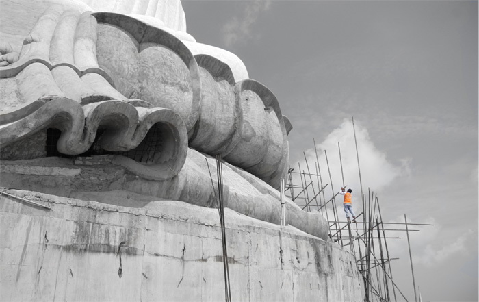 Building the Big Buddha in Phuket