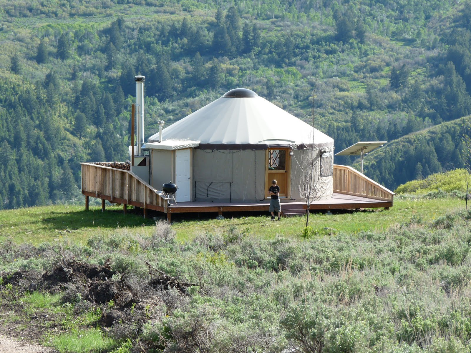 how 39 s the view antelope meadows yurt. Black Bedroom Furniture Sets. Home Design Ideas