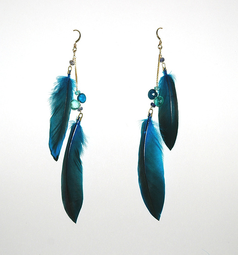 jewellahry amazing feather earring trend