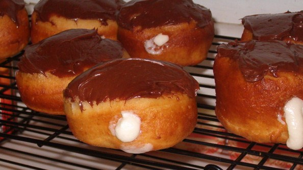 Mom's Frugal: Chocolate Covered Creme-filled Donuts...