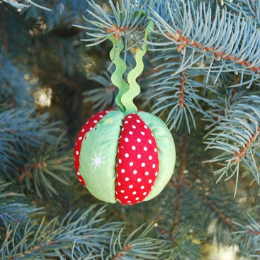 red green ball ornament christmas