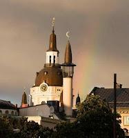 satu gereja masuk islam,kuasa ALLAH satu gerja masuk Islam
