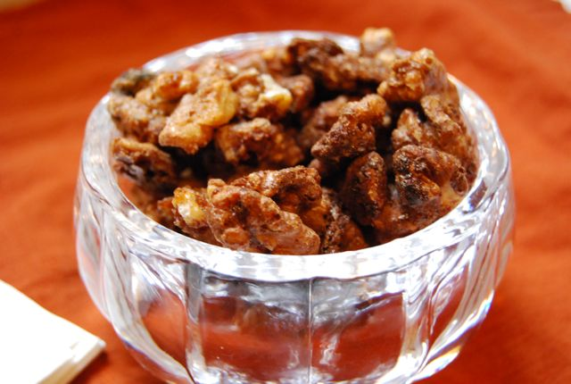 Savory and Sweet Spiced Walnuts {Powernap} - The Naptime Chef