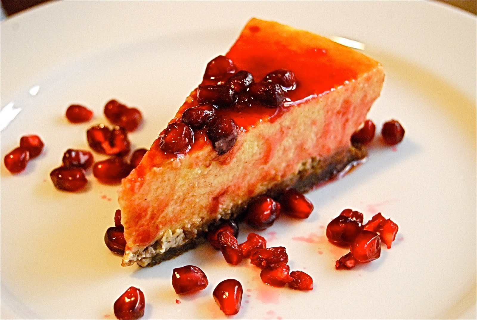 Eggnog Cheesecake with Gingersnap Crust & Pomegranate ...