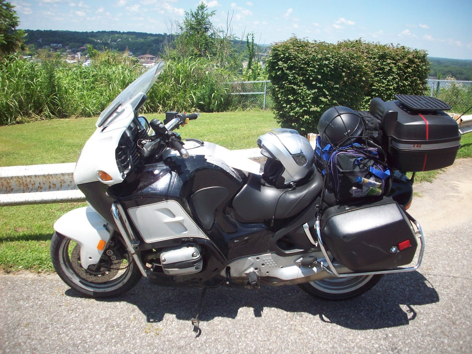 Virago Beckys Biker Blog  Bike Review  2000 BMW R1100RT