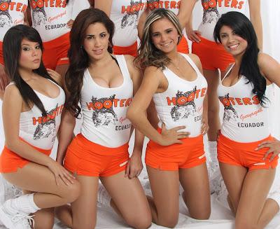Hooters Guayaquil -  Chicas Hooters ECUADOR
