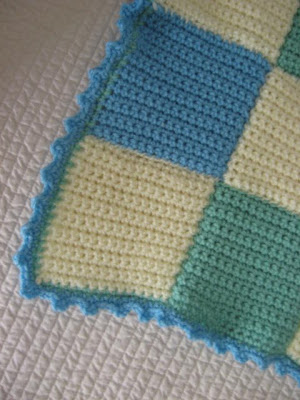 Knitting Ring Patterns : VINTAGE SWEET PEAS: Crochet Baby Cot Blanket Pattern