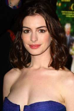 Anne Hathaway's easy New Year