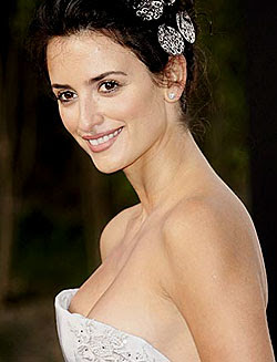 Gay director Almodovar attracted to Penelope Cruz