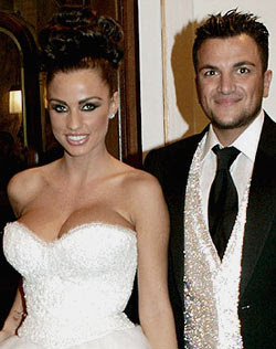 Katie Price begs Peter Andre to take her back
