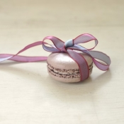 Violet Macaron