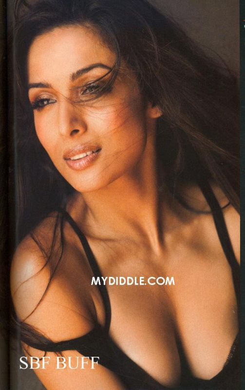 Hot Malaika Arora Cleavage Pictures