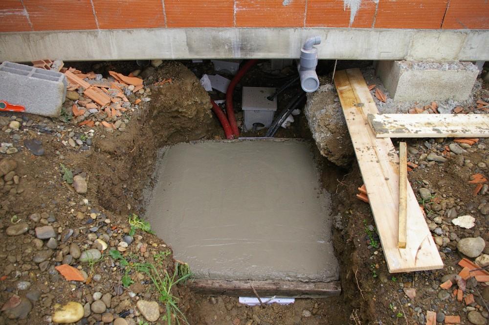 La maison du lac janvier 2010 trappe d 39 acces au vide for Isolation vide sanitaire maison