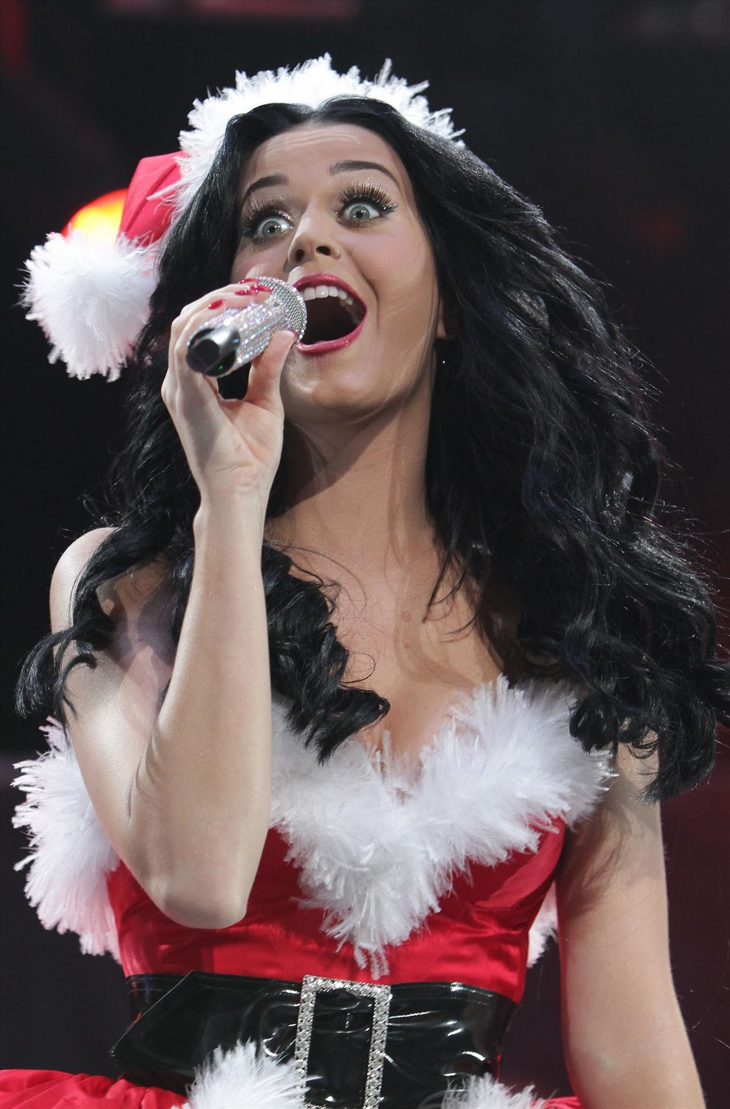 http://1.bp.blogspot.com/_Bo8ISOFbneI/TQVCaNXagCI/AAAAAAAABQw/aFdxWwIlhHE/s1600/www.expostas.com+Katy+Perry+-+Y100+Jingle+Ball+2010+at+BankAtlantic+Center+i_0017.jpg
