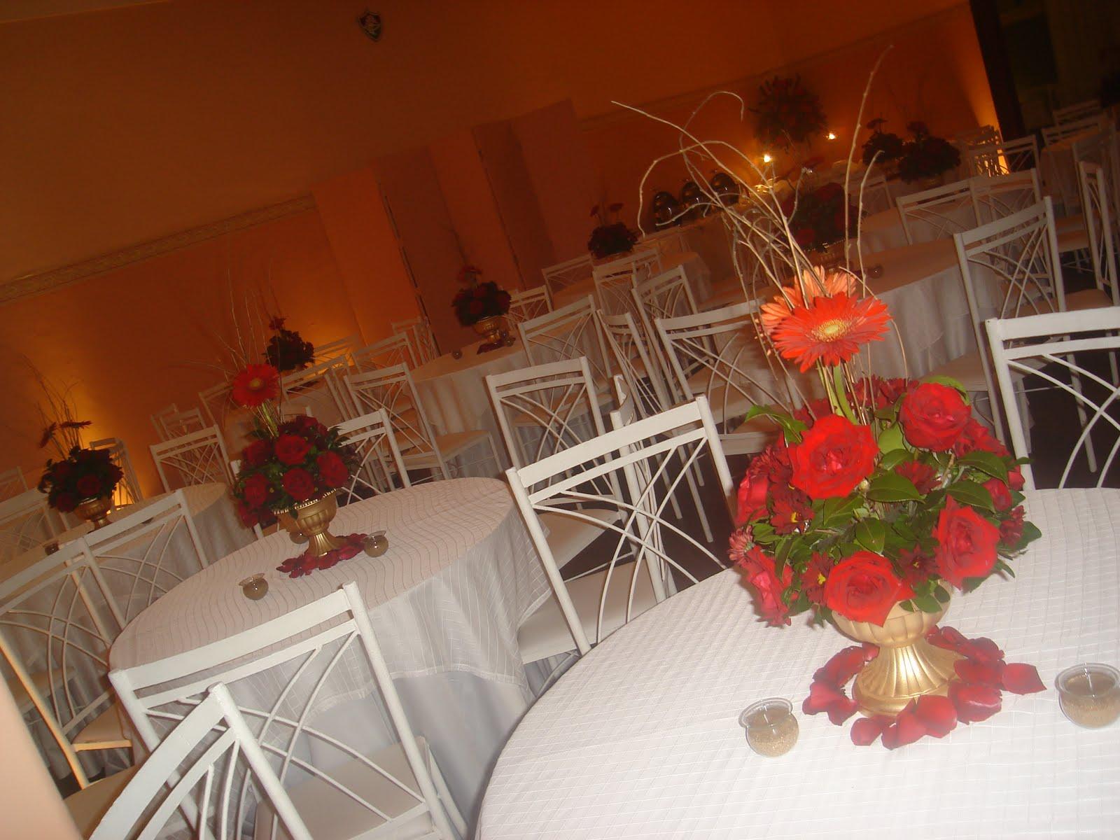 riodejaneiroflorista Decoração de casamento vermelho com dourado