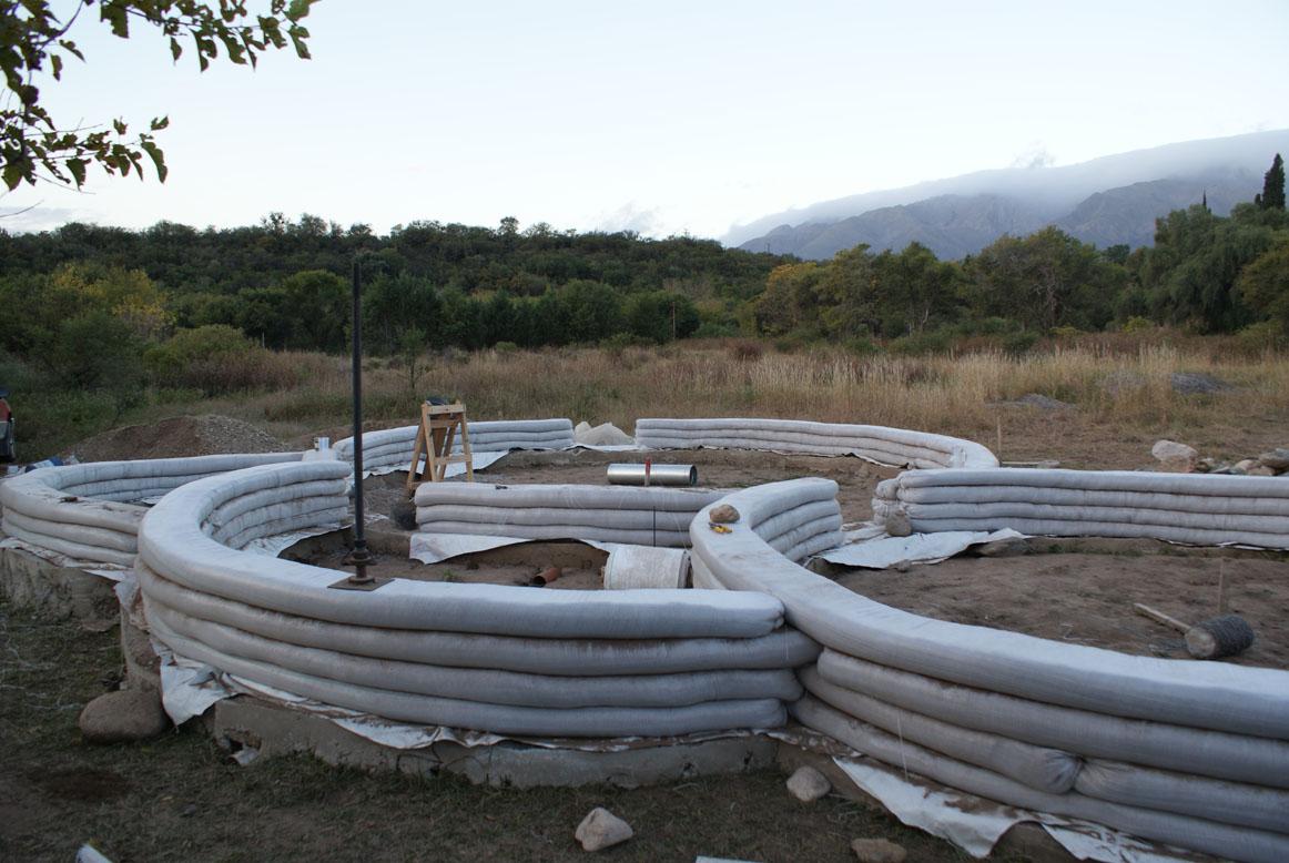 Como construir en superadobe paso a paso taringa for Hacer piscina de obra paso a paso