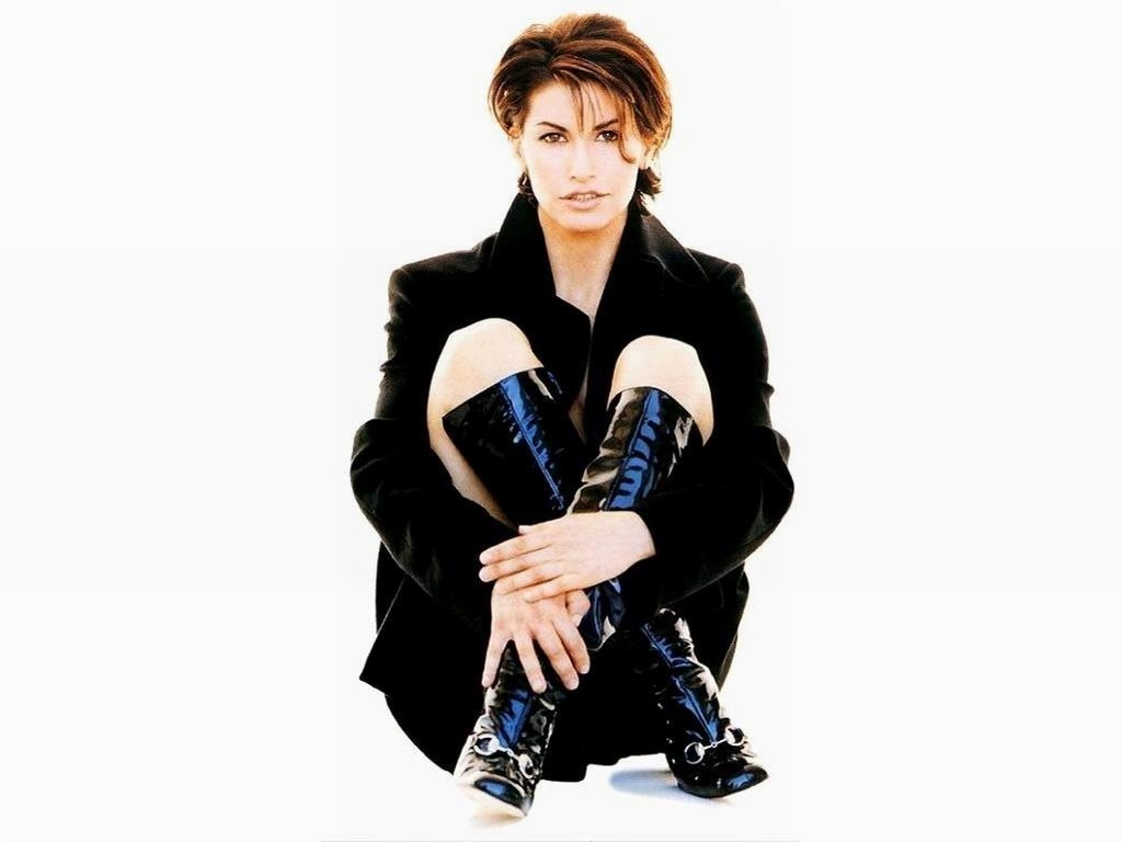 http://1.bp.blogspot.com/_BpAoKRSdVjQ/TPUQH5e68uI/AAAAAAAADNc/OUuL0bf3KfY/s1600/gina-gershon-female-actress.jpg