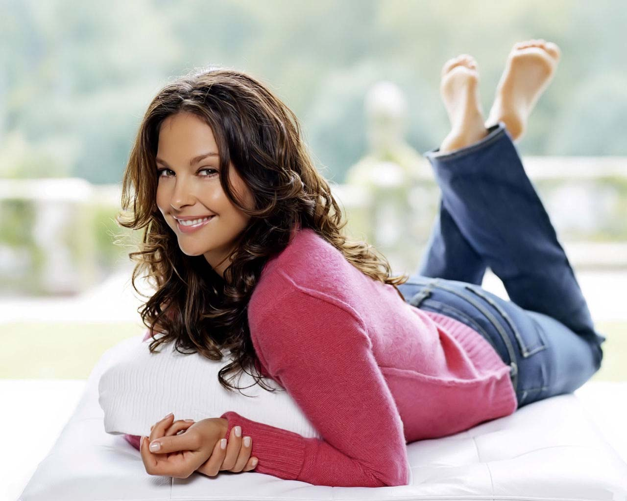 http://1.bp.blogspot.com/_BpAoKRSdVjQ/TTkAFbWcUcI/AAAAAAAAEHM/G4VVrMF093g/s1600/ashley-judd-hollywood-actress.jpg