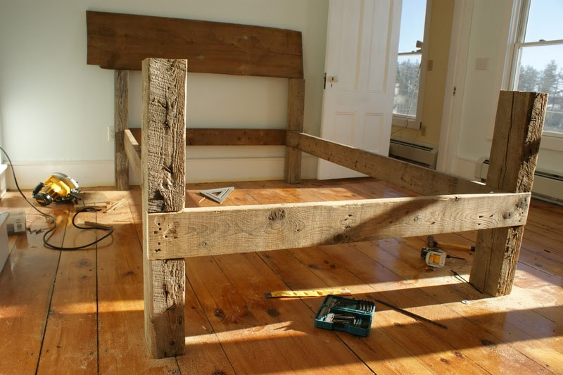 Custom made Beds Barn Board or Rough Milled Furniture  : DSC07668 from images.frompo.com size 800 x 533 jpeg 83kB