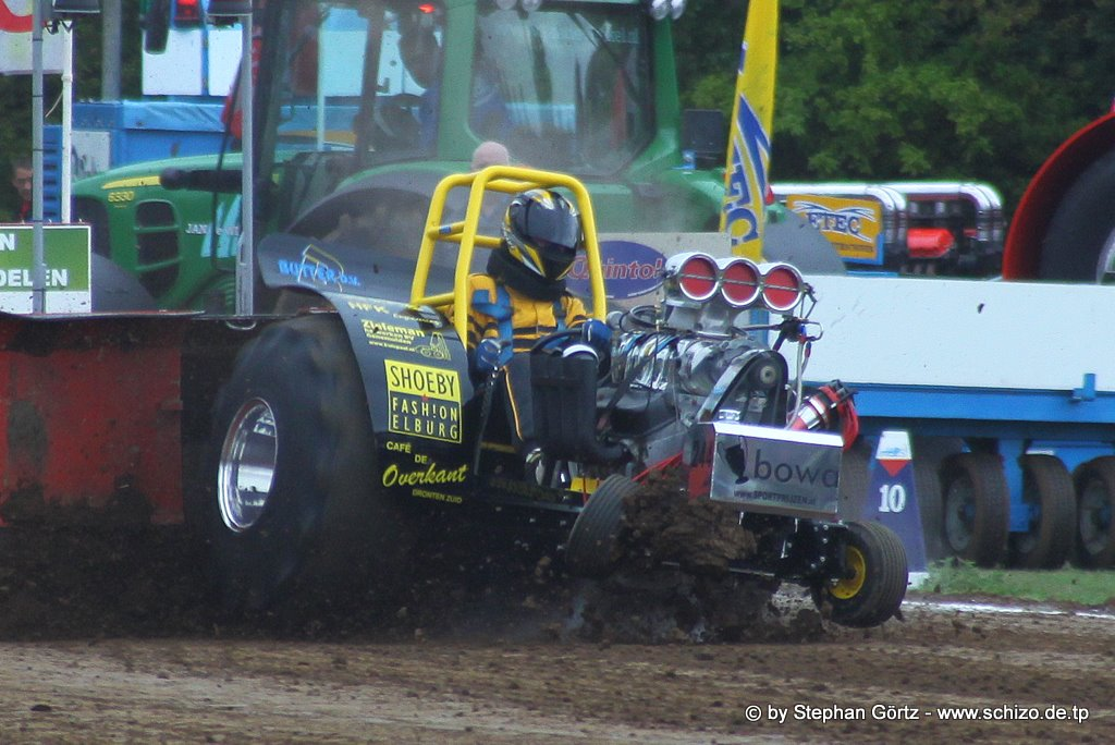Tractor Pulling Accidents : Tractor pulling news pullingworld crash wierden