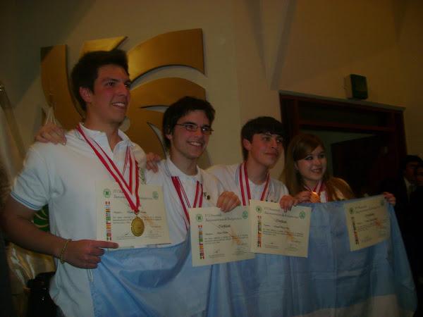 ¡ 1º ARGENTINA, 2º PERU Y 3º COSTA RICA  GANARON MEDALLAS DE ORO EN LA IV O.I.A.B. 2010 !