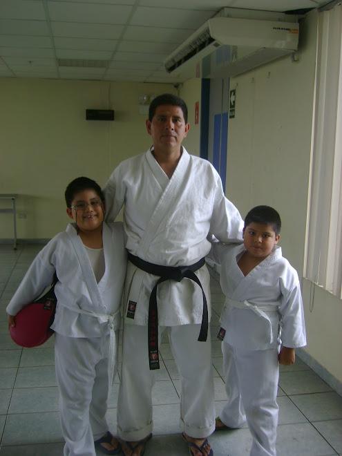 CARLOS FERNANDO Y JOSE EDUARDO CON SU SANSEI