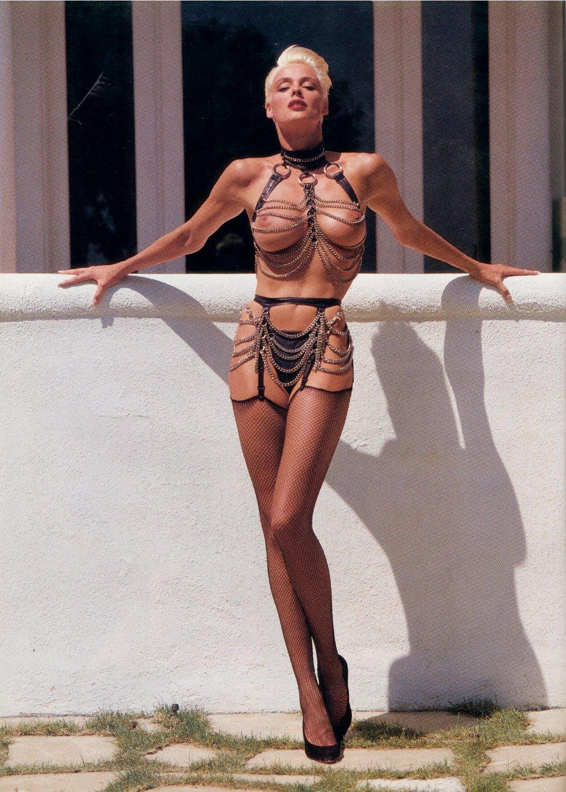 http://1.bp.blogspot.com/_Bs1pXxAZsr0/TKyUpixM9LI/AAAAAAAAP6k/wcDGlK7hANE/s1600/Brigitte+Nielsen+PB+12+1987+DECEMBRE.jpg