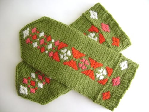 Free Knitting Patterns For Mittens In The Round : spillyjane knits: Ribbon Mittens are out!
