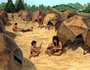 Los primeros refugios fueron construidos con pieles de animales, las cuales usaban como protección de su cuerpo ante el frío y los insectos.