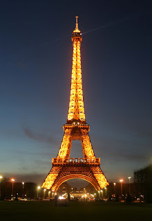 © lawhawk 2007 - The Eiffel Tower at night